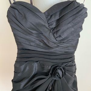 City Studio Dresses - City Studio Sweetheart Lace Up Back Dress Size 1